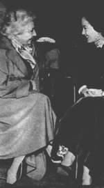 Журналистка Мария Тереса Леон и Лолита Торрес