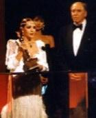 """Награждение С.Монтьель """"Золотым Орлом"""" в 1987 Burt Lancaster в Лос Анджелесе"""